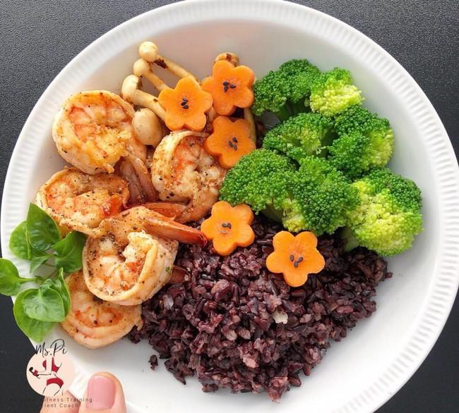 Vừa ăn ngon lại giữ dáng đẹp đón Tết, hãy thử làm theo những thực đơn giảm cân mới được HLV bật mí - Ảnh 3.
