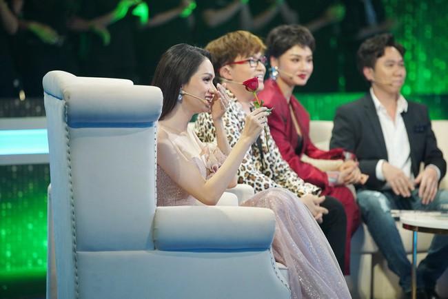 Người ấy là ai?: Lộ ảnh bên nhau 1 năm trước của Hoa hậu Hương Giang và chàng trai nấu ăn Khánh Ngô - Ảnh 1.