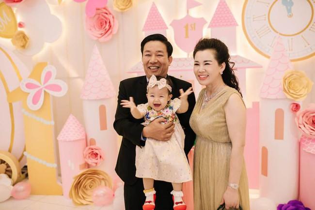 Lộ diện nhan sắc mẫu thân đáng ngưỡng mộ của cô dâu trong đám cưới 200 cây vàng ở Nam Định - Ảnh 5.