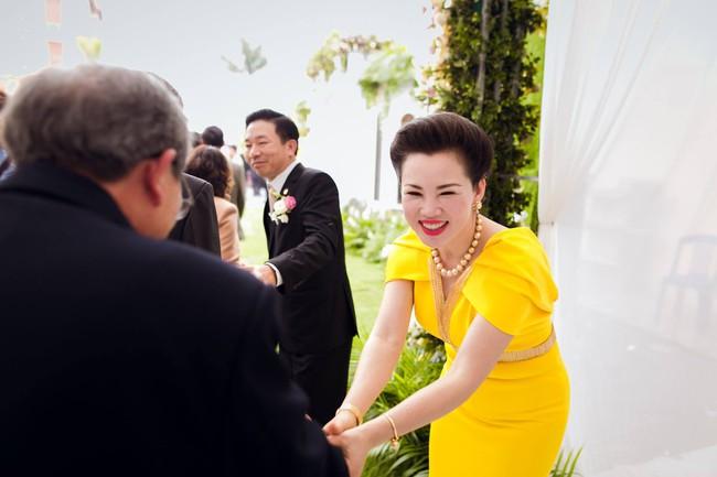 Lộ diện nhan sắc mẫu thân đáng ngưỡng mộ của cô dâu trong đám cưới 200 cây vàng ở Nam Định - Ảnh 6.