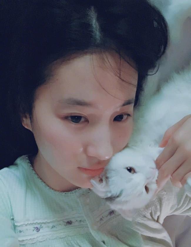 Lưu Diệc Phi xinh đẹp hoàn hảo trong những bức hình ngày thường, hé lộ người bạn thân nhất  - Ảnh 4.