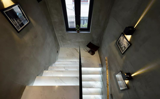 Ngôi nhà 38m² xây từ 100 năm trước rất chật chội được cải tạo lại đẹp như biệt thự nhờ giải pháp thông minh - Ảnh 8.