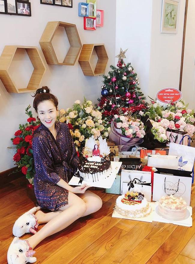 MC Mai Ngọc đón sinh nhật tuổi 28 đầy ý nghĩa đáng nhớ, trùng với ngày cuối cùng dẫn bản tin thời tiết - Ảnh 1.