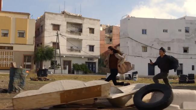 Suzy bắn súng cực ngầu, thực hiện những cảnh quay đầy mạo hiểm trong phim mới - Ảnh 6.