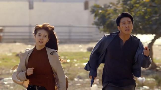Suzy bắn súng cực ngầu, thực hiện những cảnh quay đầy mạo hiểm trong phim mới - Ảnh 11.