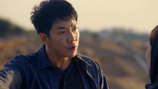 Suzy bắn súng cực ngầu, thực hiện những cảnh quay đầy mạo hiểm trong phim mới - Ảnh 2.