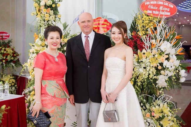 Lộ diện nhan sắc mẫu thân đáng ngưỡng mộ của cô dâu trong đám cưới 200 cây vàng ở Nam Định - Ảnh 14.