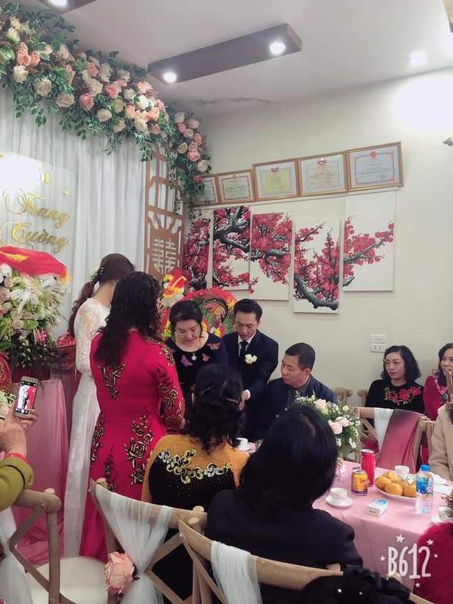 Cận cảnh hình ảnh người đàn bà thép Như Loan - mẹ ruột Cường Đô La - khóc trong lễ hỏi cưới Đàm Thu Trang - Ảnh 4.