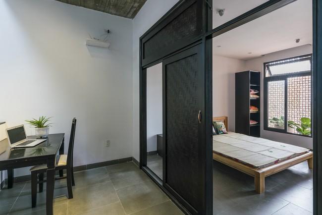 Ngôi nhà 43m² có thiết kế đặc biệt để tránh côn trùng và ô nhiễm ở Sài Gòn - Ảnh 12.