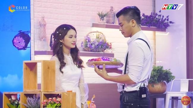 Fan Người ấy là ai? tố chàng trai màu tím trong tập của Hương Giang từng ôm hôn nữ chính của show hẹn hò khác - Ảnh 4.