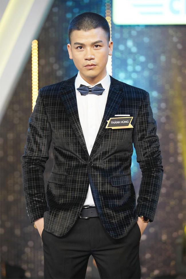 Fan Người ấy là ai? tố chàng trai màu tím trong tập của Hương Giang từng ôm hôn nữ chính của show hẹn hò khác - Ảnh 1.