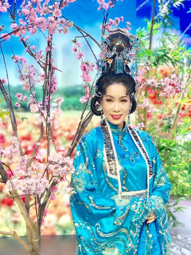 Táo Quân miền Nam: Hé lộ tạo hình lộng lẫy của Thiên Hậu Trịnh Kim Chi  - Ảnh 6.