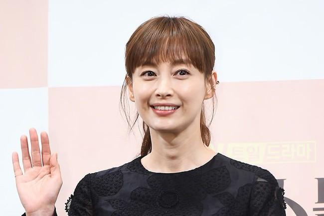 Lee Na Young tiết lộ lời nhắn nhủ của anh chồng Won Bin khi cô nhận lời đóng phim cùng Lee Jong Suk - Ảnh 3.