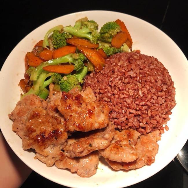 10 thực đơn giảm cân được HLV gợi ý nên ăn trước thềm năm mới - Ảnh 11.