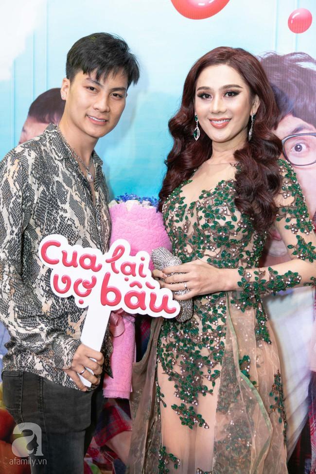 Sau lùm xùm bị lôi vào đám cưới Cường Đô La, Hồ Ngọc Hà xuất hiện thân mật bên Kim Lý khi đến chúc mừng vợ chồng Trấn Thành  - Ảnh 19.