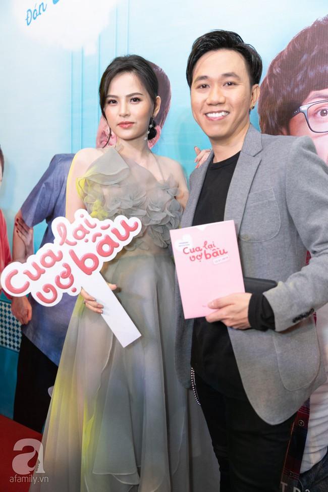 Sau lùm xùm bị lôi vào đám cưới Cường Đô La, Hồ Ngọc Hà xuất hiện thân mật bên Kim Lý khi đến chúc mừng vợ chồng Trấn Thành  - Ảnh 23.