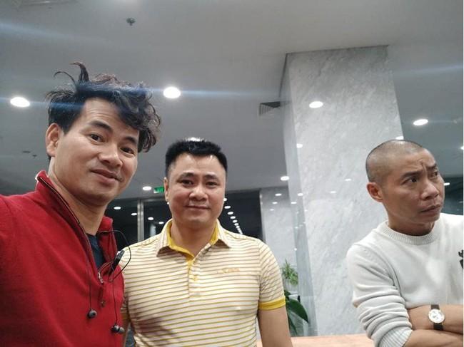 Xuân Bắc khoe ảnh đầu bù tóc rối cùng Vân Dung khi tập Táo Quân nhưng netizen lại rưng rưng xúc động  - Ảnh 2.