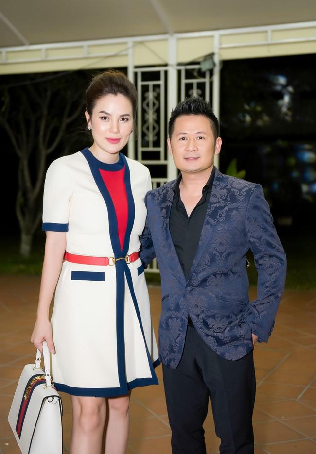 Hoa hậu từng gây sốt vì rửa chân cho chồng Phương Lê thân mật bên Bằng Kiều  - Ảnh 5.