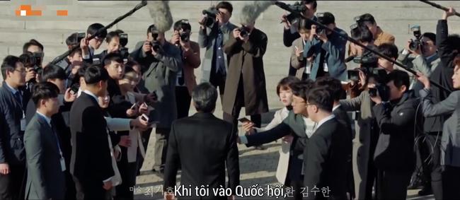 Bố Song Hye Kyo thừa nhận tham nhũng, từ bỏ sự nghiệp chính trị để con gái được ở bên trai trẻ - Ảnh 1.
