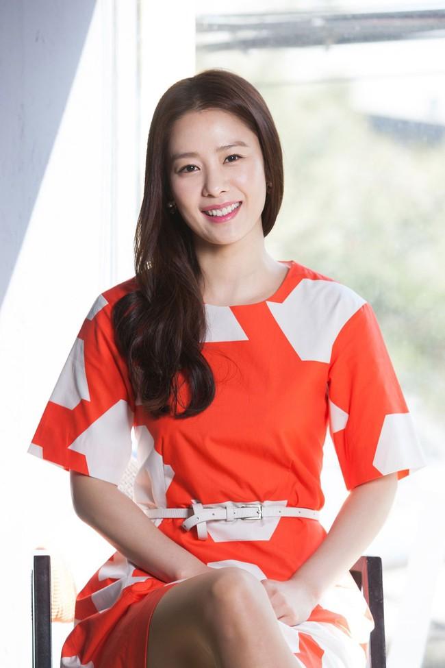 Dàn mỹ nhân sắc nước hương trời U40, U50 nhưng vẫn chọn cô đơn lẻ bóng của showbiz Hàn - Ảnh 8.