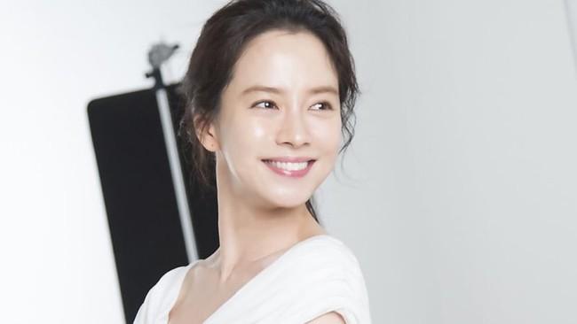 Dàn mỹ nhân sắc nước hương trời U40, U50 nhưng vẫn chọn cô đơn lẻ bóng của showbiz Hàn - Ảnh 14.