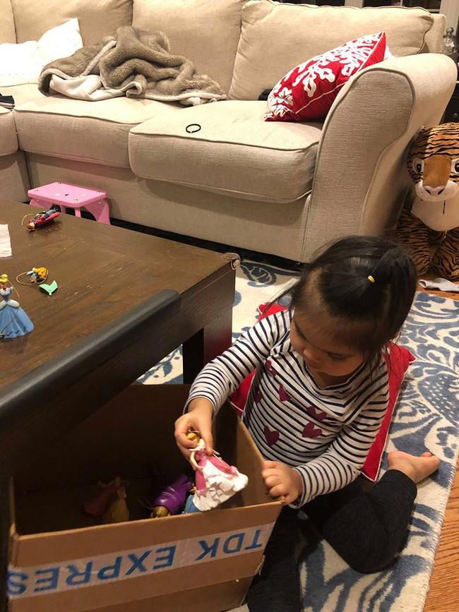 Bé mới 2,5 tuổi đã biết tự dọn đồ chơi, mẹ Việt ở Mỹ bật mí tuyệt chiêu cực độc để rèn con - Ảnh 7.