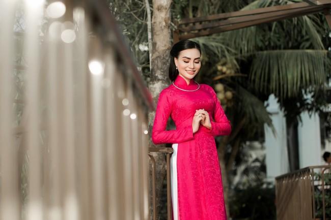 """""""Nữ hoàng áo dài""""TrầnHuyềnNhungđẹp xuất sắc trong một sáng tạo của NTK Nguyễn Tuấn - Ảnh 9."""
