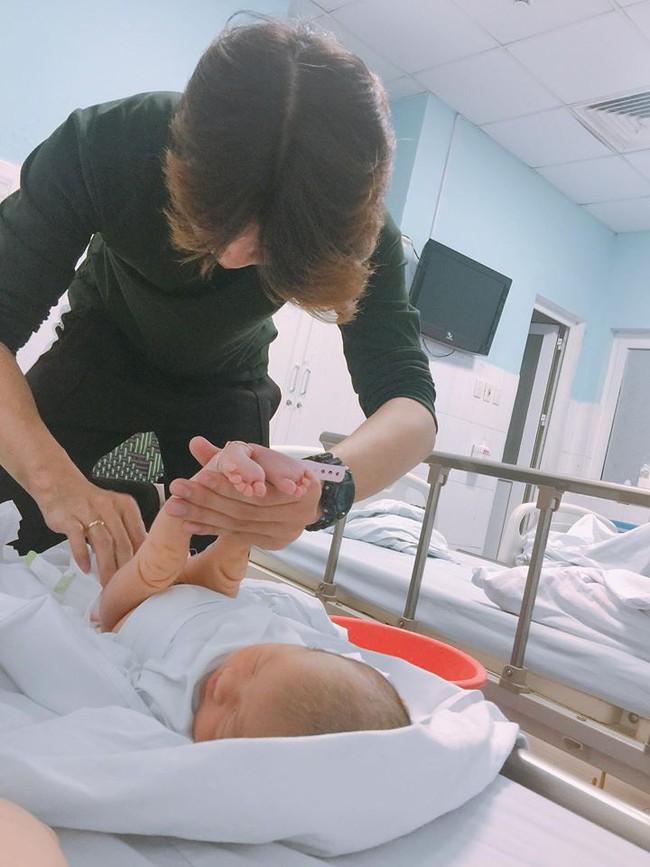 Mẹ Hà Nội 8 lần thông tắc sữa trong tháng đầu sau sinh và câu chuyện gian nan tìm dòng sữa mẹ cho con  - Ảnh 3.