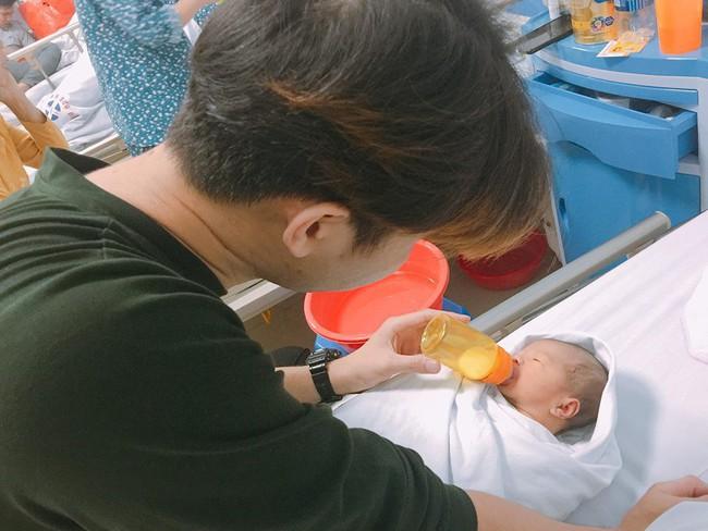 Mẹ Hà Nội 8 lần thông tắc sữa trong tháng đầu sau sinh và câu chuyện gian nan tìm dòng sữa mẹ cho con  - Ảnh 7.