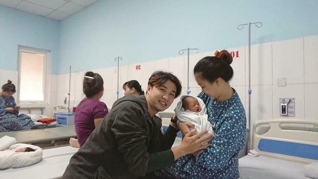 Mẹ Hà Nội 8 lần thông tắc sữa trong tháng đầu sau sinh và câu chuyện gian nan tìm dòng sữa mẹ cho con  - Ảnh 1.