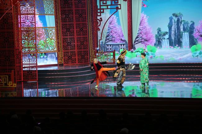 Táo Quân 2019: Quang Thắng - Vân Dung làm ảo thuật gia, mẹ chồng Lan Hương bất ngờ góp mặt  - Ảnh 5.
