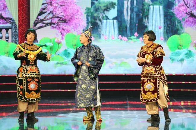 Táo Quân 2019: Quang Thắng - Vân Dung làm ảo thuật gia, mẹ chồng Lan Hương bất ngờ góp mặt  - Ảnh 3.