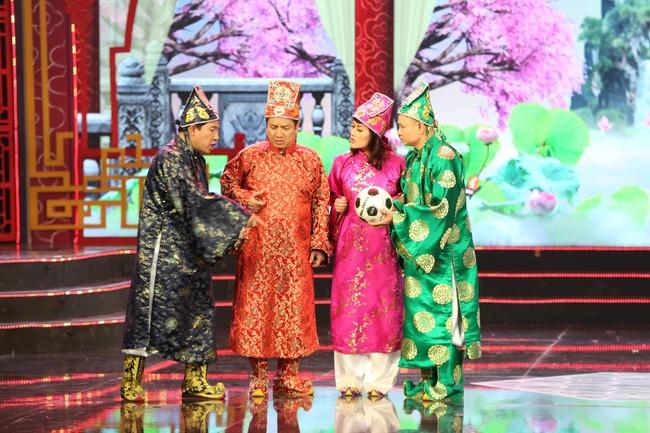 Táo Quân 2019: Quang Thắng - Vân Dung làm ảo thuật gia, mẹ chồng Lan Hương bất ngờ góp mặt  - Ảnh 4.