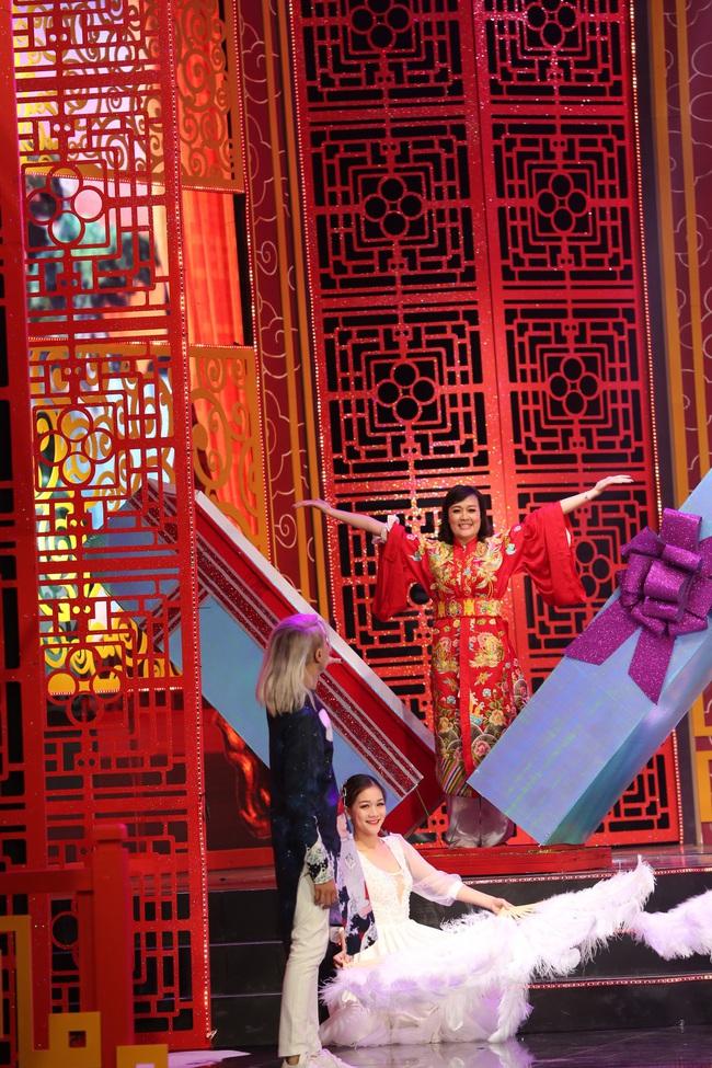 Táo Quân 2019: Quang Thắng - Vân Dung làm ảo thuật gia, mẹ chồng Lan Hương bất ngờ góp mặt  - Ảnh 11.