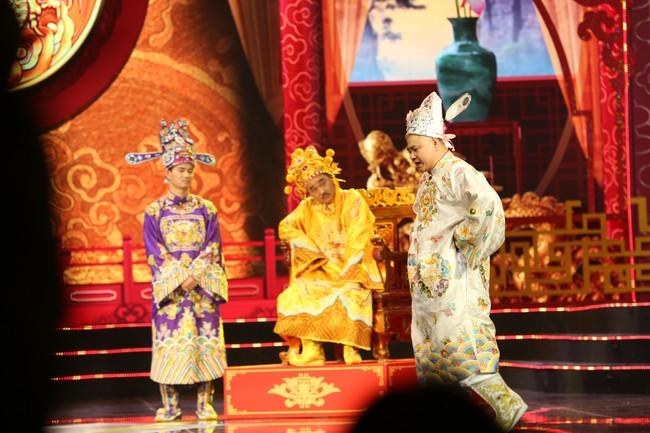 Táo Quân 2019: Quang Thắng - Vân Dung làm ảo thuật gia, mẹ chồng Lan Hương bất ngờ góp mặt  - Ảnh 12.