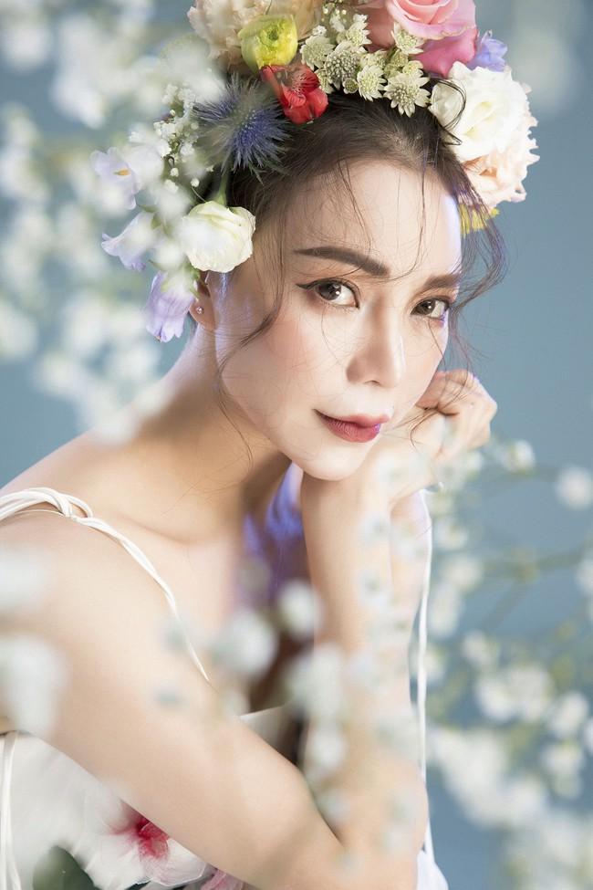 Trà Ngọc Hằng hóa nàng công chúa xuân kiều diễm, quyết trở lại ca hát sau khi sinh con  - Ảnh 3.
