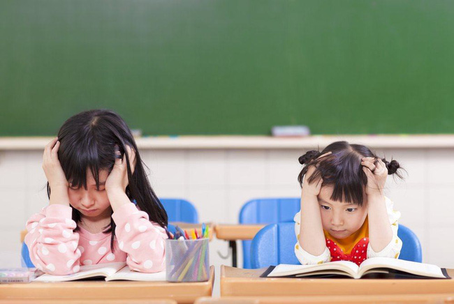 5 nguyên tắc mà cha mẹ rất nên nhớ và áp dụng sớm để giúp con nhỏ không bị suy sụp vì căng thẳng - Ảnh 1.