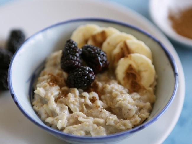 Các loại thực phẩm giàu carb nhưng không thân thiện với chế độ ăn Keto giúp giảm cân, giữ dáng - Ảnh 2.