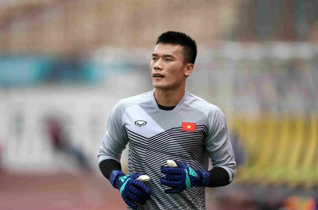 Thanh Hóa không đủ tiền mua lại, thủ môn Bùi Tiến Dũng được bán đến Hà Nội với giá 6 tỷ? - Ảnh 1.