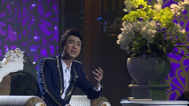 Noo Phước Thịnh đốn tim fan khi diện áo dài hát mừng Xuân mới  - Ảnh 12.