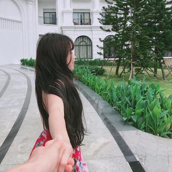 Chỉ bằng vài bức ảnh vu vơ, dân mạng khẳng định: Lâm Tây đang đi nghỉ dưỡng cùng bạn gái nóng bỏng Yến Xuân - Ảnh 6.