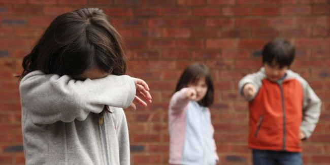 Khi con bị bắt nạt, cha mẹ vạn lần không được nói 3 từ này, bằng không càng khiến trẻ sau này bị yếu đuối - Ảnh 2.