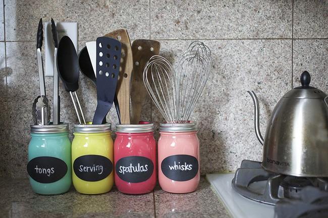 Tận dụng đồ cũ để trang trí cho căn bếp thêm ấn tượng dịp năm mới - Ảnh 8.