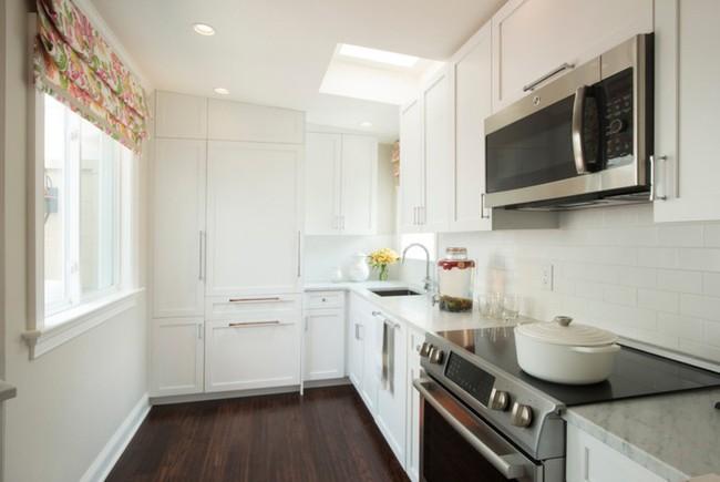 10 thiết kế bếp nhỏ đẹp xuất sắc chứng minh rằng: Diện tích không quan trọng, quan trọng là bạn sắp xếp chúng ra sao - Ảnh 3.