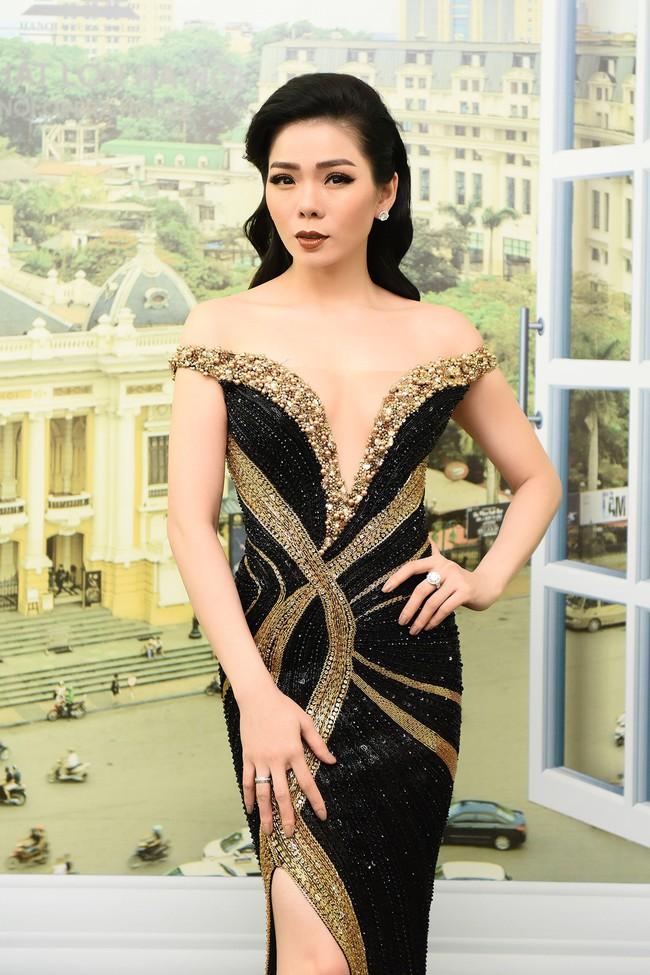 Cô dâu Lệ Quyên e ấp tựa thiếu nữ mới lớn bên Quang Dũng  - Ảnh 1.
