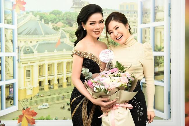 Cô dâu Lệ Quyên e ấp tựa thiếu nữ mới lớn bên Quang Dũng  - Ảnh 11.