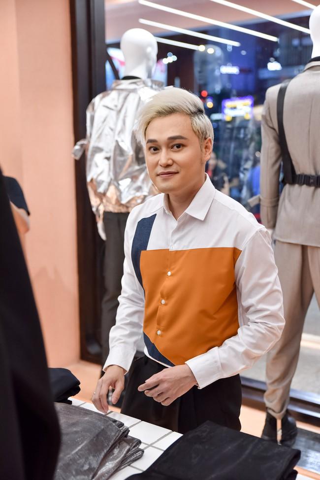 Quang Vinh - Diễm My 9X diện trang phục cá tính, tình cờ hội ngộ ở sự kiện  - Ảnh 1.