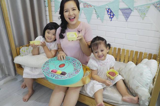Chia sẻ bí quyết chụp ảnh giấu sề nhưng MC Minh Trang lại khiến hội chị em bỉm sữa ấm lòng vì câu nói cuối - Ảnh 3.