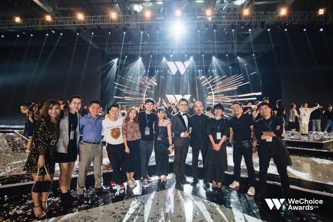 Đạo diễn Việt Tú hé lộ chìa khóa thành công của Gala WeChoice Awards 2018: Hoành tráng chưa đủ, quan trọng là thông điệp - Ảnh 9.