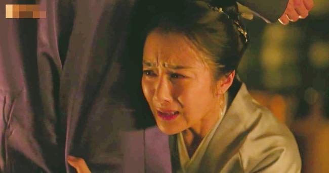 Fan Minh Lan truyện hả hê khi hồ ly tinh Lý Y Hiểu bị Phùng Thiệu Phong đuổi khỏi nhà  - Ảnh 7.